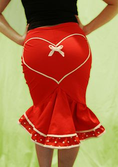 'Deadly Valentine' fishtail wiggle skirt by Dollchops