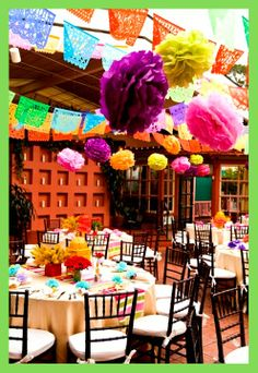 Decor mexicana com bandeirolas e pompons