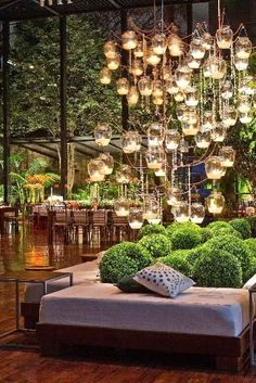 perfect flooring, great plants, amazing lighting - Don't care for the covering of the dinner table: too restrictive.