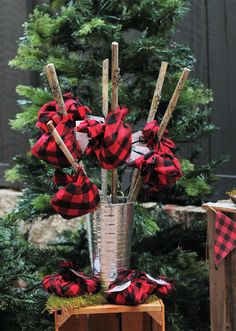 These hobo bindle treat bags by Alyssa Crocker are perfect for your next Plaid, Beards, and Lumberjacks Party. See the entire event inside Mingle Magazine. Baby Boy First Birthday, 1st Boy Birthday, Boy Birthday Parties, Birthday Ideas, Lumberjack Birthday Party, Decoration Table, Barn, Buffalo Plaid, Party Ideas