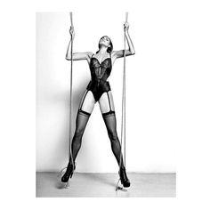 Para un jueves power una editorial power!! PH @vorfas STYLE & ART #renatagarrido & @claudioarditti MUA @maria_paz_urra_ HAIR #lucahaiek MODEL #angela @weloverebel @domingopro #onebook #onebookmagazine #issue14 #edición14 #fall #falledition #onebook2013 #girlpower #sado #sadomasochism #lingerie #lencería #sexyvibes #fashioneditorial #fashionphotography #editorialdemoda #fotografíademoda #photography #fotografía #magazine #revista #madeinchile  via ONE BOOK MAGAZINE OFFICIAL INSTAGRAM…