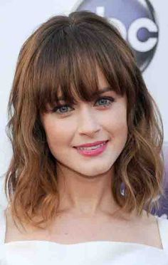35 Best Hairstyles With Bangs - Photos of Celebrity Haircuts With Bangs Bobbed Hairstyles With Fringe, Haircuts With Bangs, Bob Hairstyles, Gorgeous Hairstyles, Pixie Haircuts, Formal Hairstyles, Bangs Hairstyle, Cute Haircuts, Lob Haircut