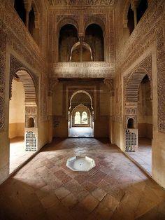 Alhambra Palacios Nazaries Religious Architecture, Art And Architecture, Moroccan Art, Granada Spain, Le Palais, Spain And Portugal, Mosques, Moorish, Islamic Art