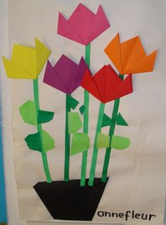 Love these simple origami flowers and cut paper - great spring art activities for kids! Spring Theme, Spring Art, Spring Activities, Art Activities, Easter Crafts, Crafts For Kids, Spring Projects, Kindergarten Art, Mothers Day Crafts