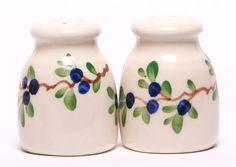 Ceramic Salt and Pepper Shaker Set - Blueberry