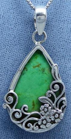 Australian Gaspeite Floral Filigree Pendant Necklace - Sterling Silver