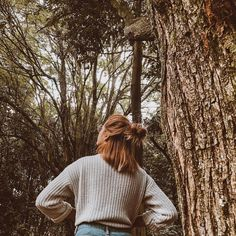 Peau Tutorial and Ideas Photography Poses Women, Autumn Photography, Tumblr Photography, Portrait Photography, Best Photo Poses, Jolie Photo, Aesthetic Pictures, Photoshoot, Soul Poetry