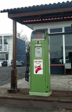Old gas pump in Central Point Oregon