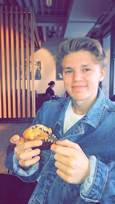 George is a blueberry muffin Blake Richardson, Reece Bibby, New Hope Club, British Boys, Charlie Puth, The Vamps, Hot Boys, Boyfriend Material, My Sunshine