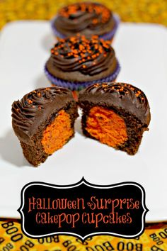 """Trick or Treat Cupcakes - with a cakepop """"treat"""" inside! Find more at www.MoscatoMom.com #DuncanHines"""