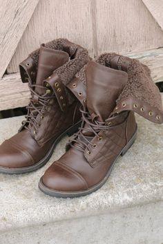 cc08ef10db387 Davies Bluff Brown Fur Fold Over Combat Boots