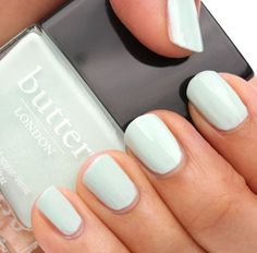 Mint Nail Polish / Butter Fiver