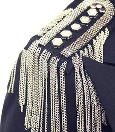 Spike Tassel Brooch epaulette Military Pins, Military Fashion, Blusas T Shirts, Shoulder Jewelry, Circus Costume, Shoulder Pads, Beaded Embroidery, Diy Fashion, Vintage Outfits