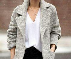 Moda dünyası tarafından öne sürülen kış modasının yine en belirleyici kısmı kaban trendleri oldu. Kumaş kabanların tercih edildiği bu yılda oldukça zengin çeşitlilik kendini göstermekte. ❄❄