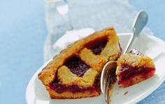 Linzer torte - Ecco per voi la ricetta per preparare la Linzer torte, un dolce tradizionale e antico che risale al 1600 e fa parte della cucina austriaca.