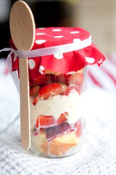 Christmas Trifle in a Jar   Dessert in a Jar   Just Easy Recipes