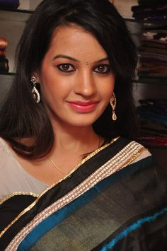 Deeksha Panth in Saree at Pochampally Cotton Mela 2013 at Deeksha Panth at Cotton Mela Launch  #2015LandhuMovie #DeekshaPanth #HyderabadModel