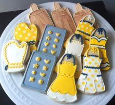 Basic Cookies, Mother's Day Cookies, Fancy Cookies, Cut Out Cookies, Cute Cookies, Royal Icing Cookies, No Bake Cookies, Cupcake Cookies, Shark Cookies