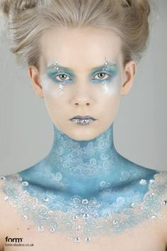 2014 Cool Halloween Frozen face paint that fits the costume so perfect  #2014 #Halloween
