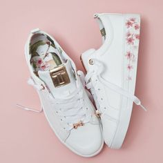 Its a white trainer kinda day! Especially when it comes with rose gold and flora… Its a white trainer kinda day! Especially when it comes with rose gold and floral detailing! Time to treat yourself to Ted Baker Kelleip Sneakers in White Leather Floral Sneakers, White Sneakers, Sneakers Fashion, Fashion Shoes, Shoes Sneakers, Floral Shoes, Sneakers Rose Gold, Adidas Pink Sneakers, Rose Gold Trainers