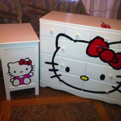 ^= / Refinished dresser as Hello Kitty I want this ! Refinished dresser as Hello Kitty I want this ! Hello Kitty Bedroom, Hello Kitty House, Hello Kitty Baby, Hello Kitty Themes, Here Kitty Kitty, Hello Kitty Crafts, Dresser Refinish, Hello Kitty Collection, Teen Girl Bedrooms