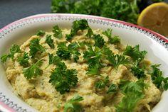 Recept på en böndipp med friska smaker av kronärtskocka, parmesan och citron. Perfekt för plockbuffén eller som grönsaksdipp. Smaklig måltid!