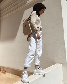 In the picture there may be one or more people, ¸ . Casual Hijab Outfit, Hijab Chic, Hijab Fashion Casual, Street Hijab Fashion, Muslim Fashion, Modest Fashion, Fashion Outfits, Women's Fashion, Fashion Trends