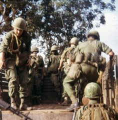 Member of the Infantry Division Vietnam, Christoper D. American War, American Soldiers, American History, The Big Red One, Vietnam War Photos, North Vietnam, Vietnam Veterans, Marine Corps, Military History