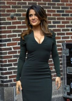 Top 10 luscious and sexy celebrities - Salma Hayek dress-luscious-sexy - Beautiful Celebrities, Beautiful Actresses, Most Beautiful Women, Beautiful Smile, Salma Hayek Body, Salma Hayek Hair, Salma Hayek Pictures, Femmes Les Plus Sexy, Woman Crush