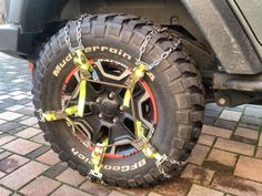 Tired looking for easy,not expensive and fast snow chains for my Jeep Wrangler JKU MY2013 with non-stock tiresI finally decided to make it by myself! I got the idea from the truck sector chains, e…