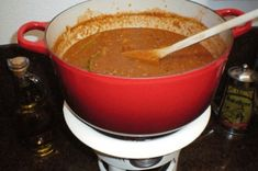 5 keer verse pastasaus om zelf thuis te maken Homemade Sauce, Pesto, Slow Cooker, Food And Drink, Menu, Soup, Lunch, Healthy Recipes, Dinner