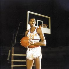 #Onthisday 1961: #WiltChamberlain then with #Philadelphia scores 100 points in an #NBA game against the #Knicks. His amazing record-setting performance helped to draw attention to the fledgling league. Image from the SPORT collection #basketball #hardwoodclassic #hoops #legend #sportshistory