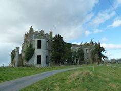 Ardfry House was built around 1770 and is on a peninsula overlooking Galway Bay.