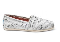 Music Notes Women's Classics | TOMS.com #toms... perhaps the CUTEST pair of Toms i have ever seen :)