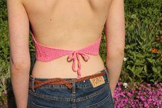 litenvirktant:: This is what it looks like from behind  free Swedish pattern  www.litenvirktant.se   #virka #virkat #crochet #crochetaddict #yarn #yarnlover #yarnaddict #garnlycka #garngalen #diy #doityourself #sommar #sommarlinne #virkakläder #crochetclothing #crochettop #crochetcroptop #croptop #cropped #drops #dropsyarn #dropslovesyou #dropslovesyou7 #mönster #pattern #freepattern #hobbiise #instacrochet #litenvirktant