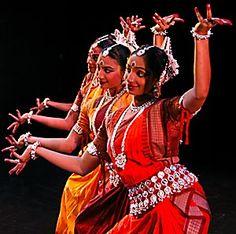 Nrityagram Dance Ensemble of India Folk Dance, Dance Art, Indian Eyes, Indian Classical Dance, Bollywood, Dance Images, Shall We Dance, Ballet, Modern Dance