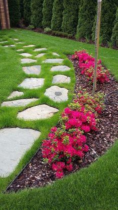 Palenisko, ognisko, skalniak, koło młyńskie, kamienie w trawniku : Klasyczny ogród