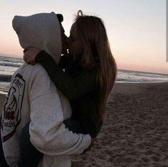 Love couple, cute couple pictures, couple photos, couple goals, falling in love Couple Tumblr, Tumblr Couples, Teen Couples, Relationship Goals Pictures, Cute Relationships, Couple Relationship, Boyfriend Goals, Future Boyfriend, Boyfriend Girlfriend