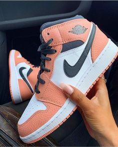 Jordan Shoes Girls, Girls Shoes, Shoes Women, Jordan Outfits, Nike Jordan Shoes, Nike Outfits, Cute Sneakers, Shoes Sneakers, Jordan Sneakers
