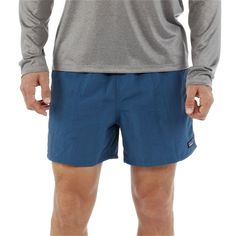 The Patagonia Men's Baggies™ Shorts - are rugged, multifunctional shorts designed for use in and out of the water. Summer Hiking Outfit, Summer Outfits Men, Short Outfits, Boy Outfits, Men's 5 Inch Shorts, Camo Fashion, Men's Fashion, Hiking Shorts, Green Shorts