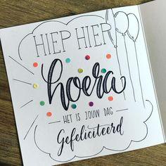 26 vind-ik-leuks, 5 reacties - © Micky Devente - Lettering (@mikstype) op Instagram: 'Hoera! Het was feest vandaag, dus in de pen geklommen voor een verjaardagskrabbel  #brushpen…'