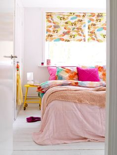 a Colourful bedroom