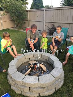 43 Extraordinary Diy Backyard Fire Pit Decoration Ideas That You Need To Have - When it comes to backyard fireplaces people often ask if they should build or buy. The answer will depend on your personal circumstances. How To Build A Fire Pit, Diy Fire Pit, Fire Pit Backyard, Backyard Patio, Backyard Seating, Backyard Landscaping, Paver Fire Pit, Small Fire Pit, Rustic Backyard