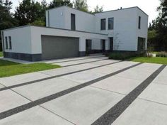 Referenties residentieel» Betonnen vloerplaten, boomplaten en gootplaten »… Modern Driveway, Driveway Design, Driveway Landscaping, Outdoor Landscaping, Backyard Patio, Imprinted Concrete Driveway, Concrete Driveways, Landscape Design, Garden Design