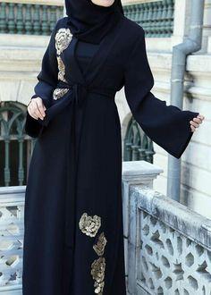 pinned via #MrsRawabdeh Iranian Women Fashion, Islamic Fashion, Muslim Fashion, Burqa Designs, Abaya Designs, Hijab Gown, Hijab Style Dress, Abaya Fashion, Fashion Dresses