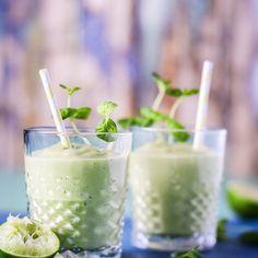 Pyöräytä virkistävä Mojito-smoothie   Voi Hyvin Mojito, Glass Of Milk, Smoothies, Food And Drink, Drinks, Smoothie, Drinking, Beverages, Drink