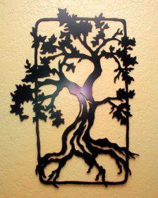 Los detalles de este arte de pared de roble árbol se cortan de acero con precisión intrincado. Este gran 21,5 escultura robusta presenta un negro finalizar y proporciona un punto focal encantador en cualquier pared.  Este artículo se hace de acero suave de grueso calibre y acabado con pintura negra semibrillante.  Dimensiones Aprox: 21,5 en x 16 en Hecho en EE. UU.