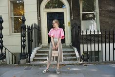 This has been the year of pink. We've seen it everywhere in spring and summer and now it's going to continue it's reign in fall. Fall Trends, Pink Fashion, Metallic, Street Style, London, Street Style Fashion, Street Styles, Street Fashion