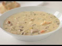 Quick and easy seafood soup recipe - Good easy recipes New England Seafood Chowder Recipe, Seafood Bisque Recipe Easy, Seafood Soup, Chowder Recipes, Seafood Recipes, Soup Recipes, Recipies, Chef Recipes, Lunch Recipes