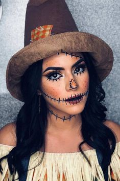 Are you looking for ideas for your Halloween make-up? Browse around this site for scary Halloween makeup looks. : Are you looking for ideas for your Halloween make-up? Browse around this site for scary Halloween makeup looks. Looks Halloween, Halloween Costumes Scarecrow, Scarecrow Makeup, Cute Halloween Makeup, Halloween Outfits, Halloween 2019, Halloween Ideas, Halloween Nails, Vintage Halloween